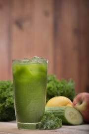 A First Watch Kale Tonic includes kale, Fuji apple, English cucumber and lemon.