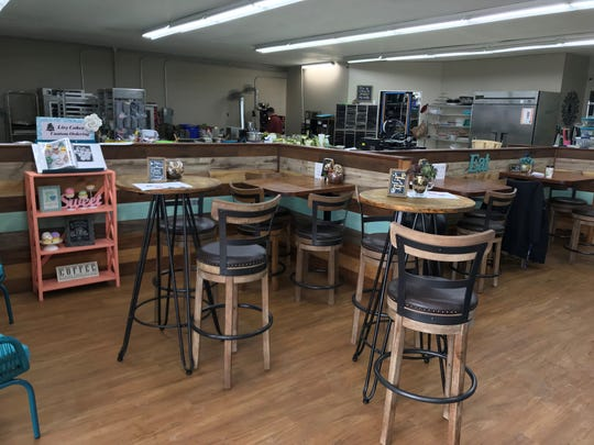 Livy Cakes and Two Roasting Joes has an open floor plan that allows customers and employees to feel connected. Customers can also see what goes on behind the scenes.