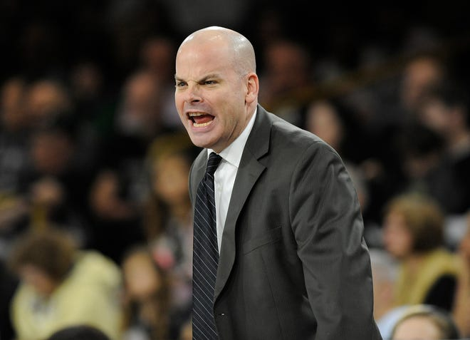 Oakland women's coach Jeff Tungate missed seven games with a back injury.