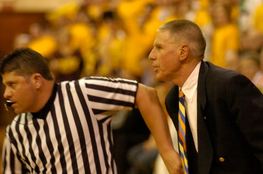 Glenn Van Wieren compiled a 660-219 record at Hope that included 17 league titles, 21 NCAA tournament appearances and three Final Four trips.