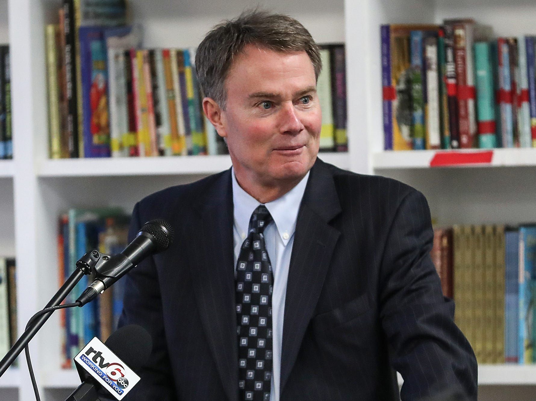 Mayor Joe Hogsett speaks at the opening of the Best Buy Teen Tech Center at the MLK Community Center in Indianapolis, Tuesday, Jan. 29, 2019.