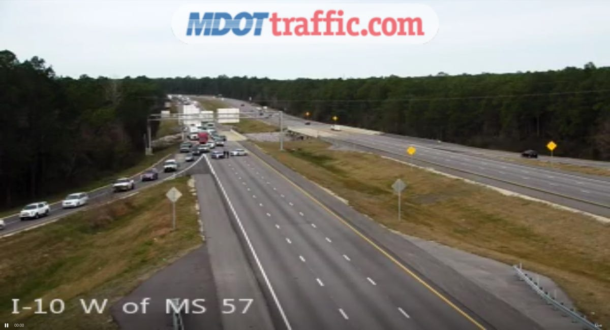 Standoff ends with armed man in 18-wheeler on Mississippi