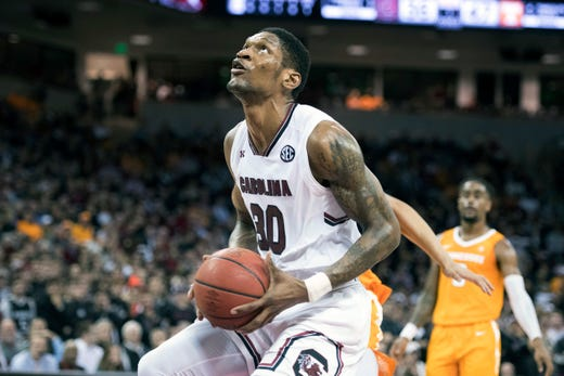 UT Vols basketball holds off South Carolina for 15th ...