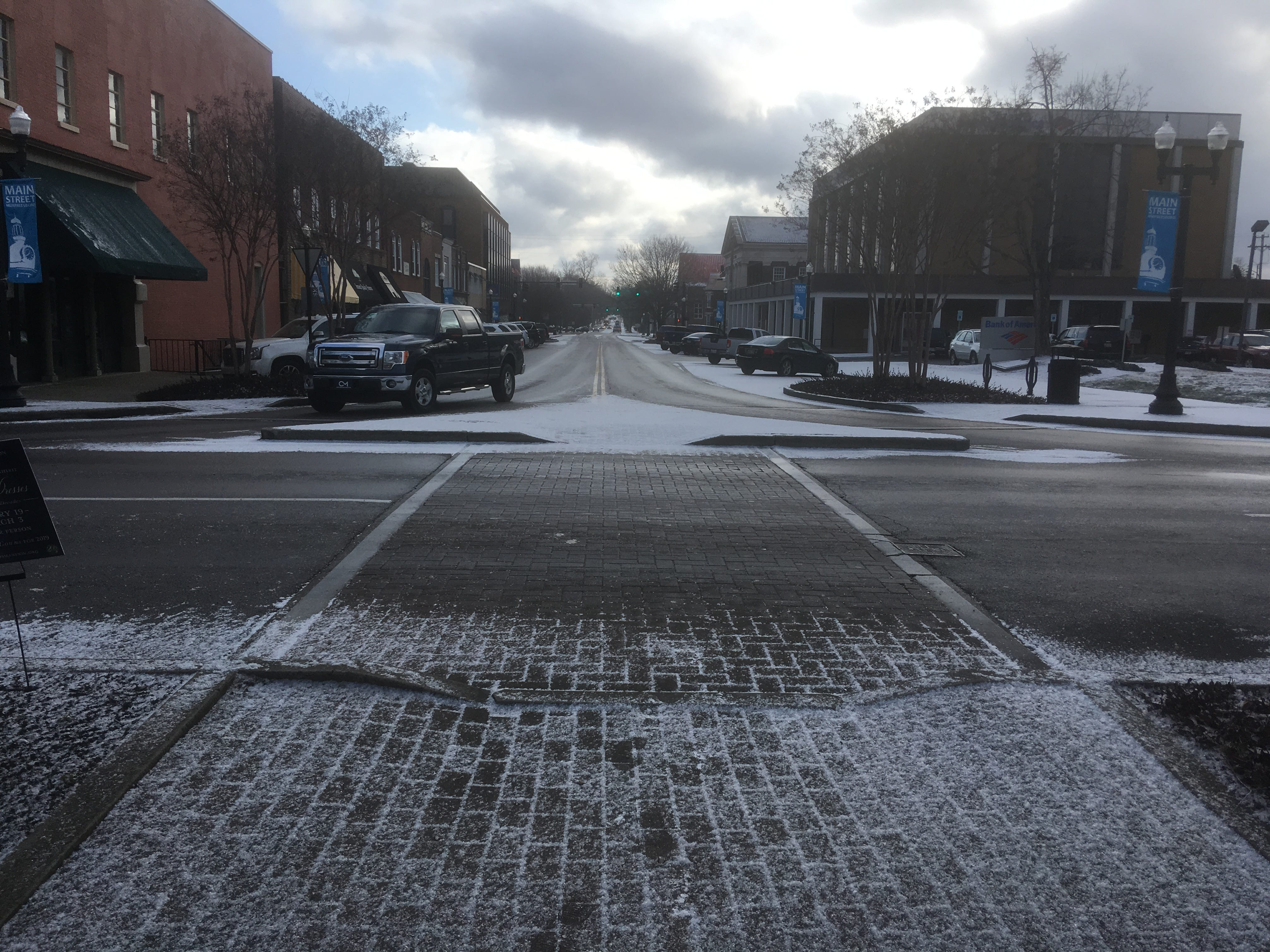 East Main Street in downtown Murfreesboro was passable after a surprise snow shower on Wednesday, Jan. 30, 2019.