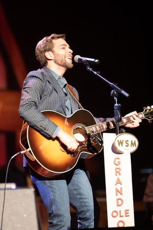 Carlton Anderson makes his Grand Ole Opry debut at Ryman Auditorium.