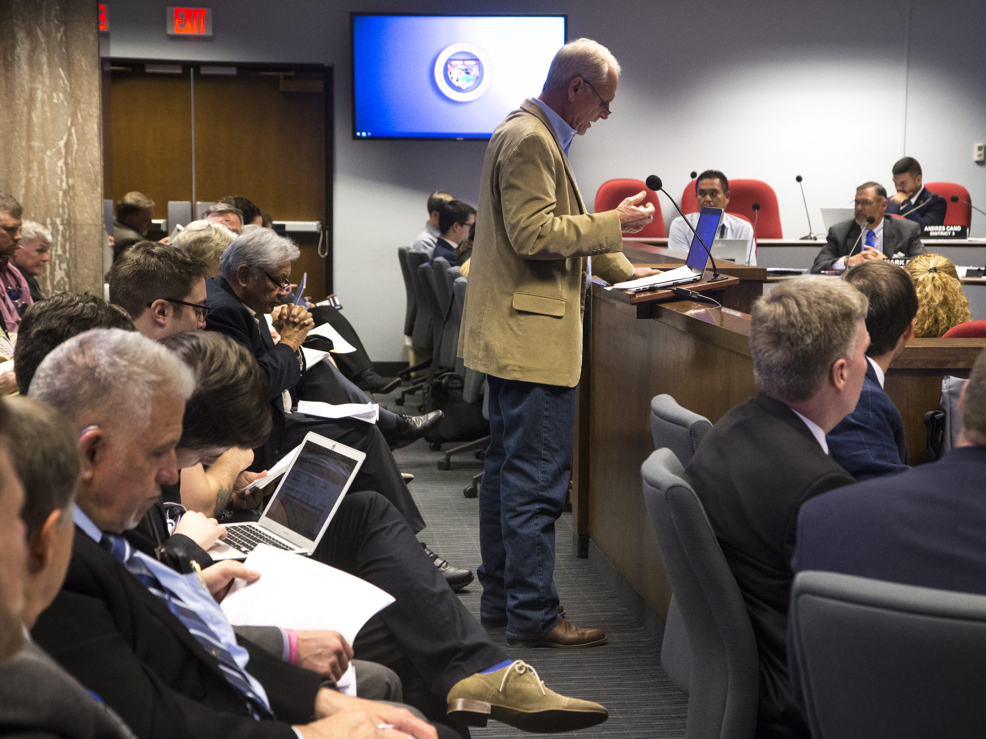 Pinal County farmer Dan Thelander (center) speaks during a hearing on House Bill 2540, Jan. 29, 2019, at the Arizona House of Representatives' Committee on Natural Resources, Energy and Water at the Arizona Capitol.