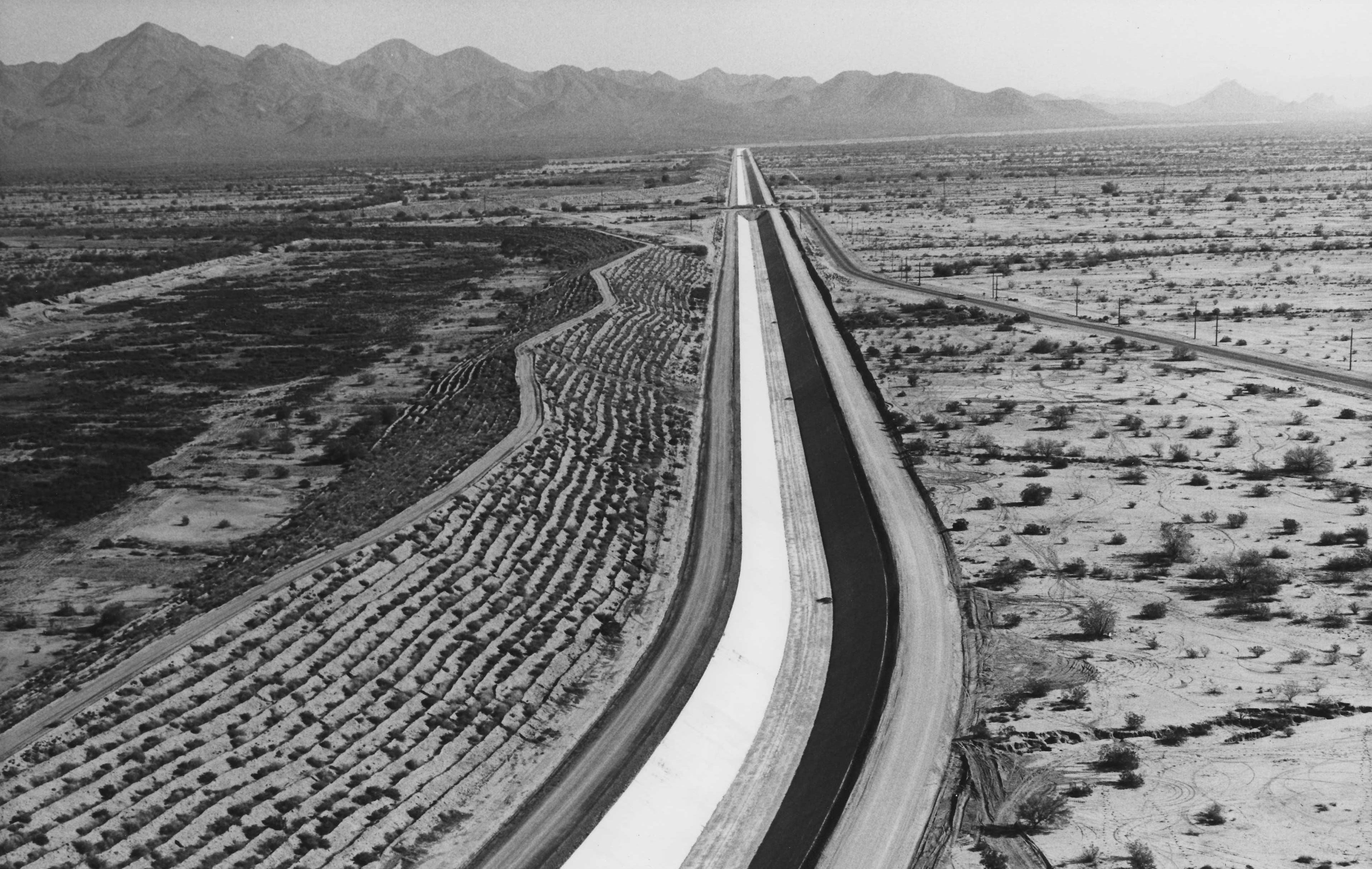 Phoenix Gazette 1/3/1979 This photo from the late 70s shows Granite Reef Aqueduct and Scottsdale Road crossing the aqueduct in the upper center of the photo.
