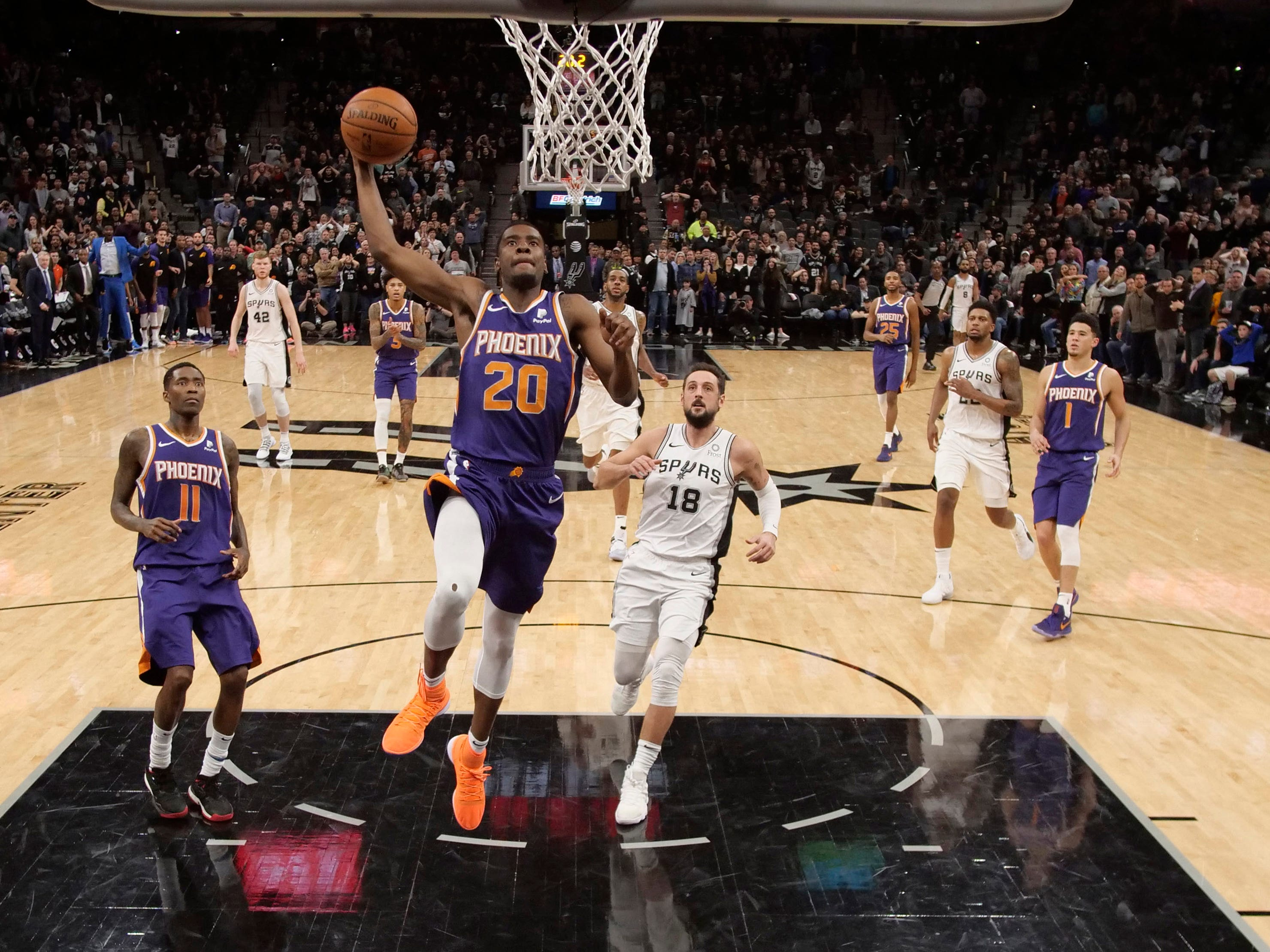 Jan 29, 2019: Phoenix Suns small forward Josh Jackson (20) dunks the ball during the second half against the San Antonio Spurs at AT&T Center.