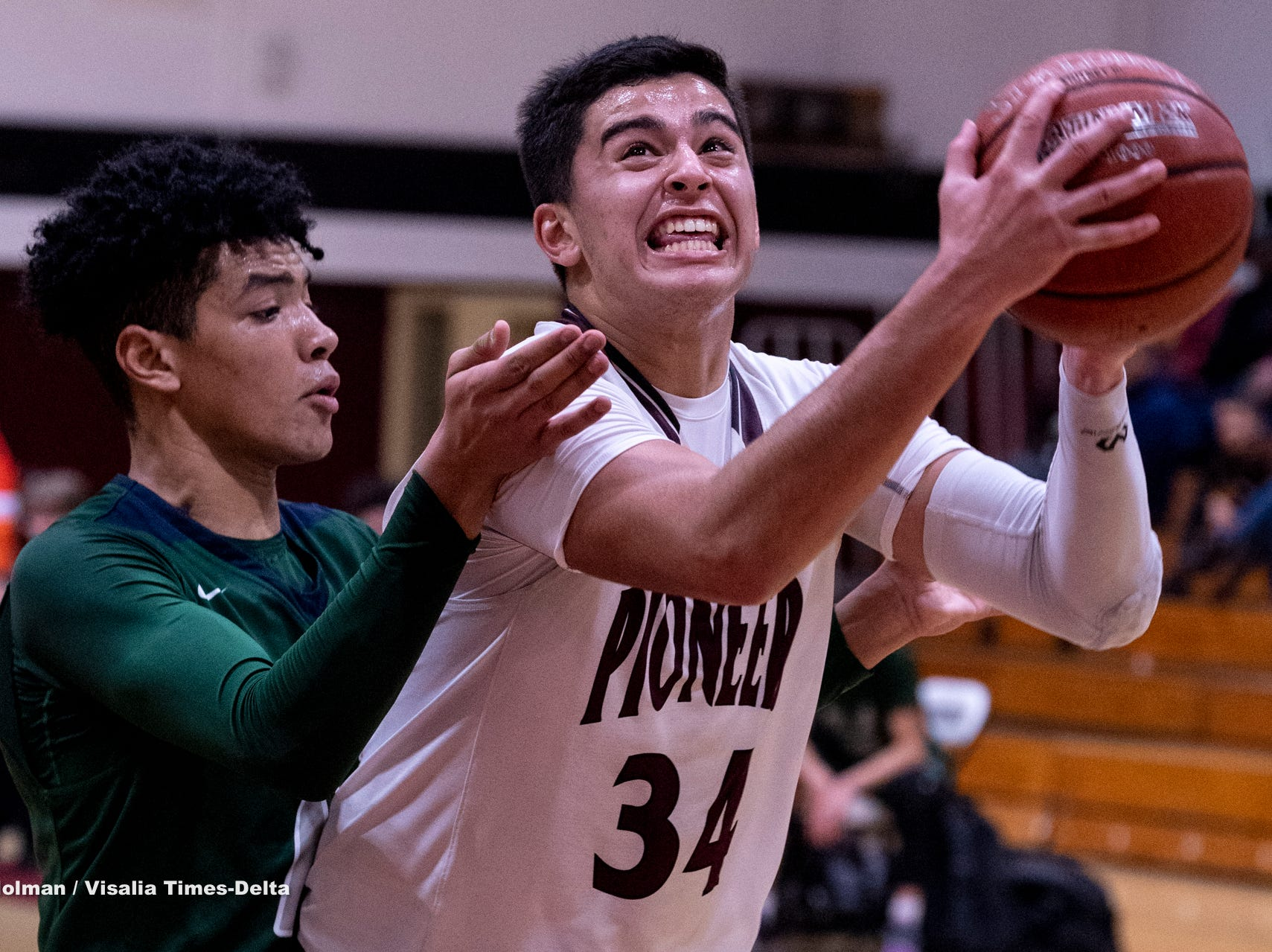 Mt. Whitney hosts El Diamante in a boys basketball game on Tuesday, January 29, 2019.