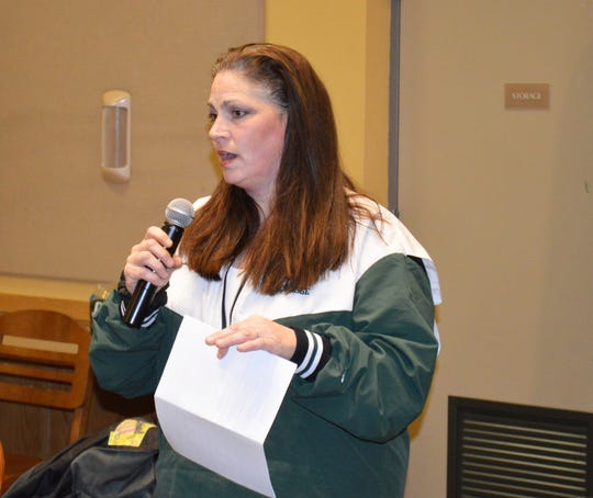 Della Lenz questioned the Irvington Board of Education on Jan. 22 about Jesse Lubinsky's rate of pay during the summer of 2017.