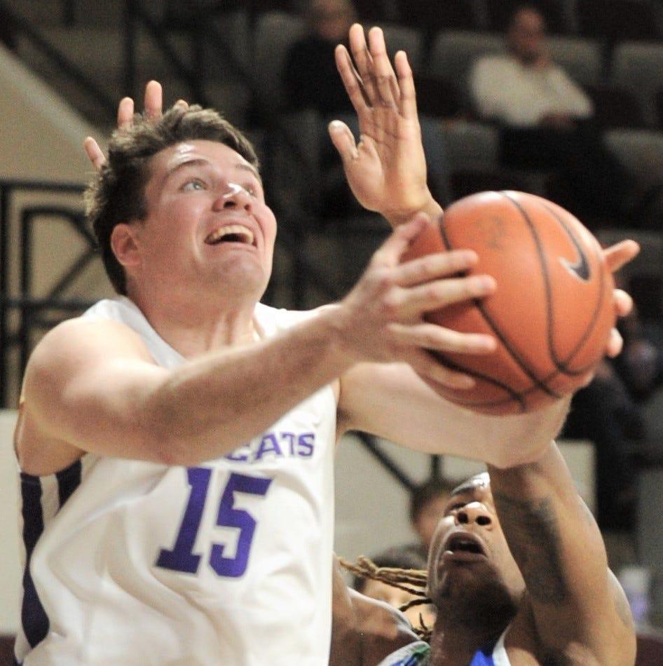Throckmorton grad Hayden Farquhar steps up for Abilene Christian men's basketball team