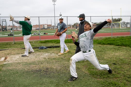 King mustangs baseball practice during the first week of Texas baseball on Wednesday, Jan. 30, 2019.