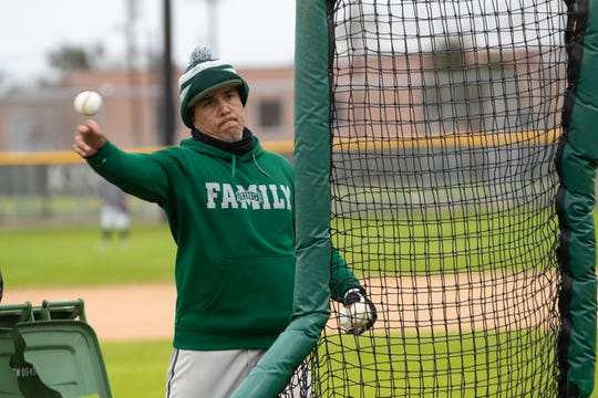 King mustangs baseball practice during the first week of Texas baseball on Wednesday, Jan. 30, 2019.