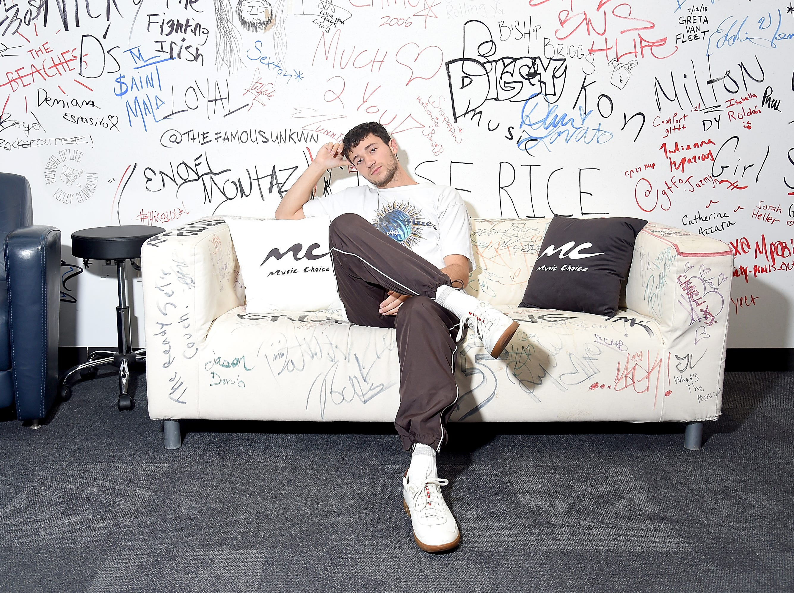 NEW YORK, NY - AUGUST 28:  Singer Jeremy Zucker visits Music Choice on August 28, 2018 in New York City.  (Photo by Michael Loccisano/Getty Images)
