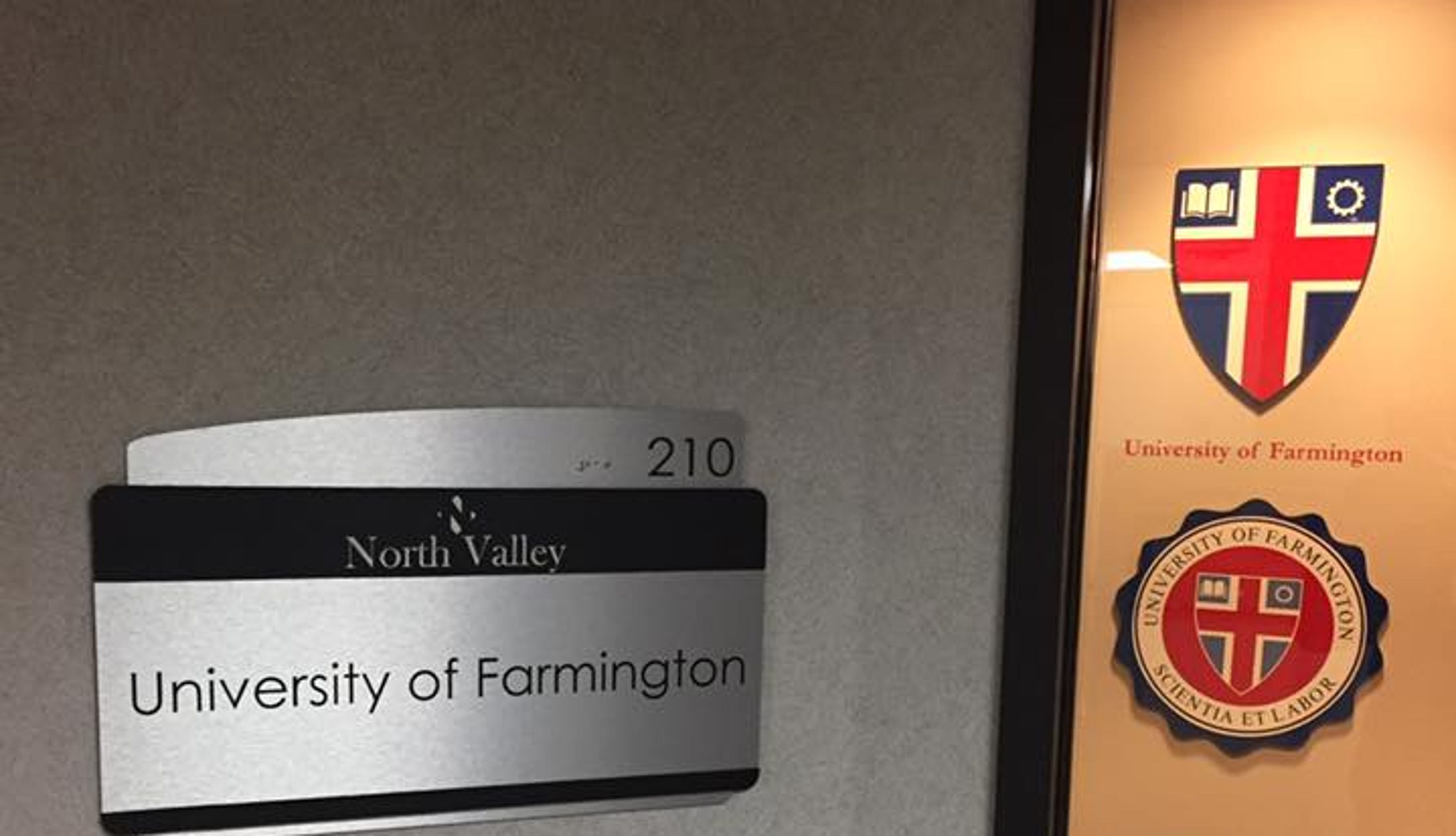 ICE arrests 130 students with fake University of Farmington