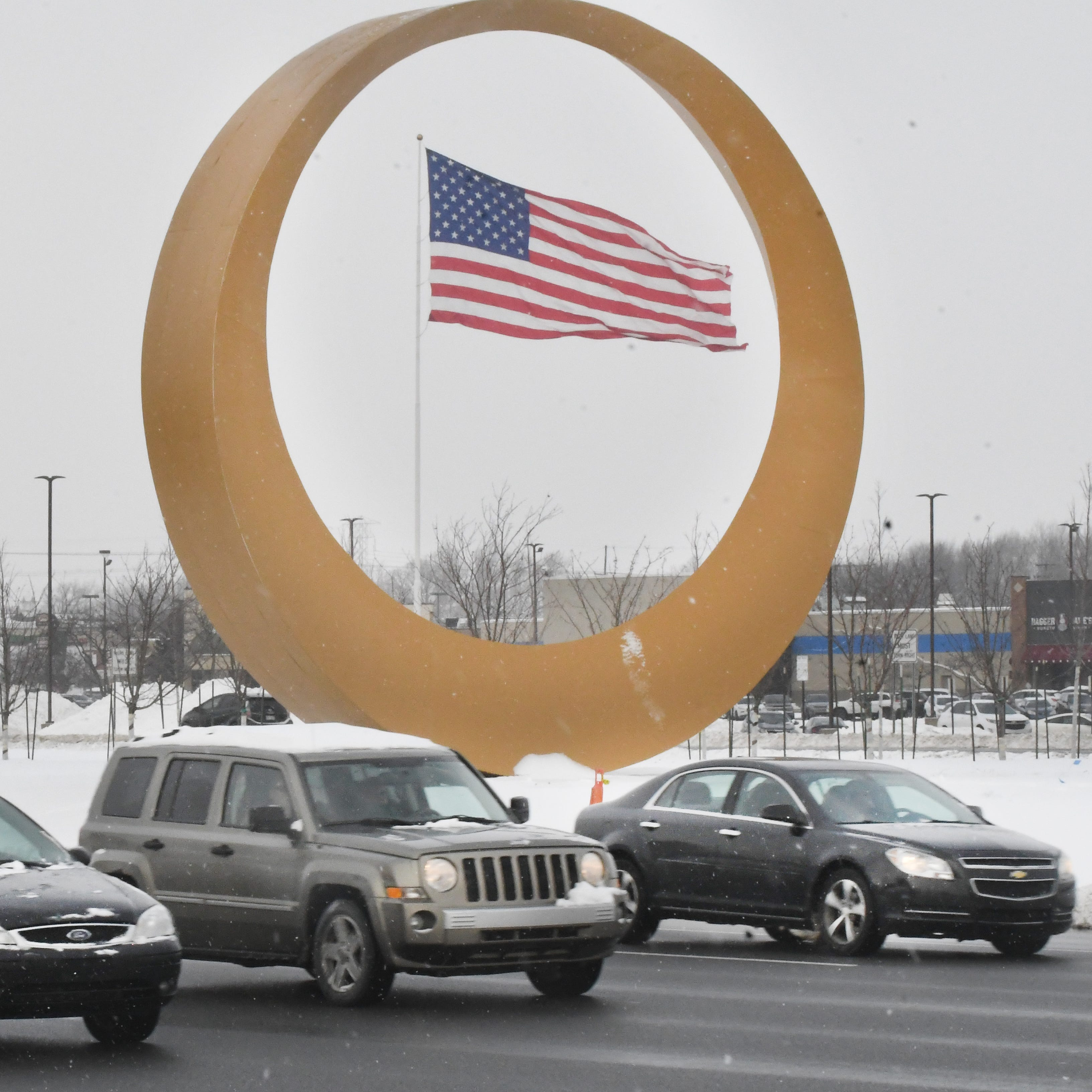 Finalists selected for Sterling Heights' golden circle name -- no butts about it