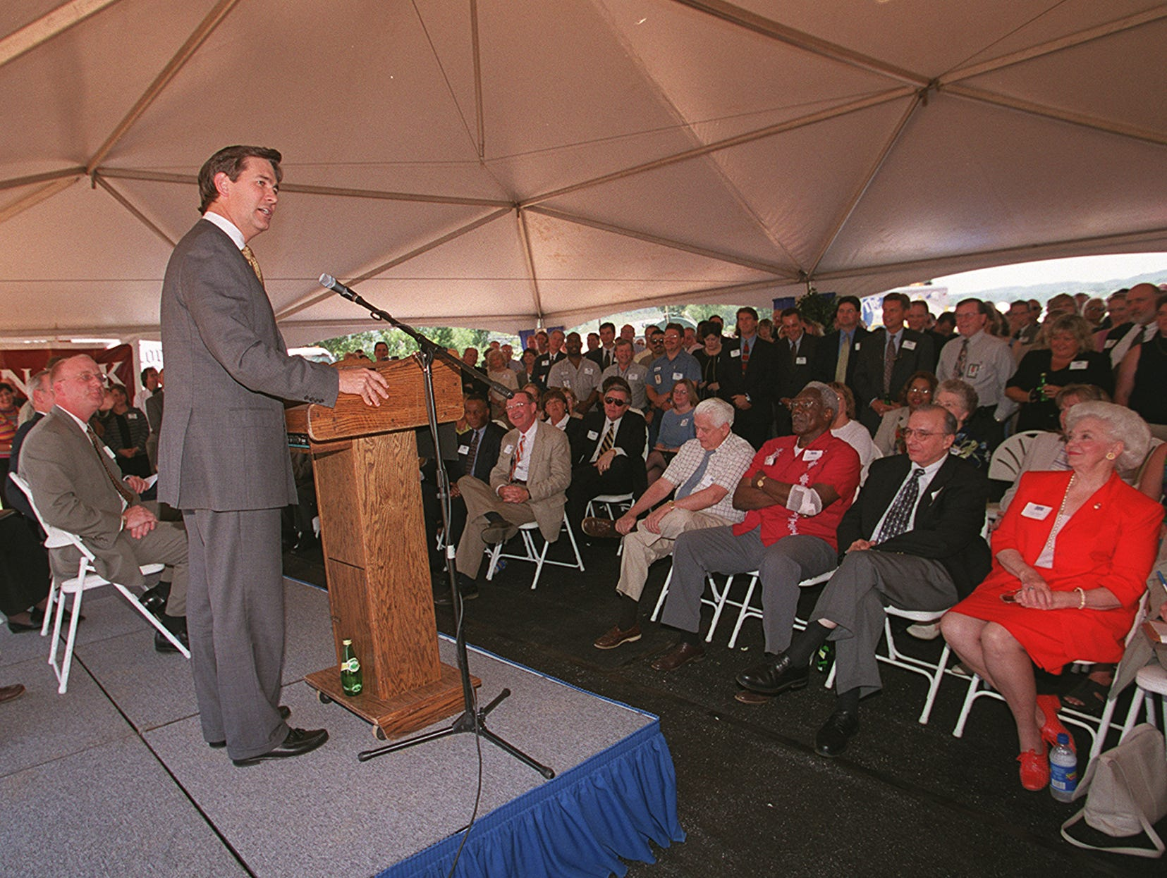 In a May 17, 2001, photograph, E.W. Scripps Co. President and CEO Kenneth Lowe delivers his remarks during groundbreaking ceremonies for the $50 million Knoxville News-Sentinel building.