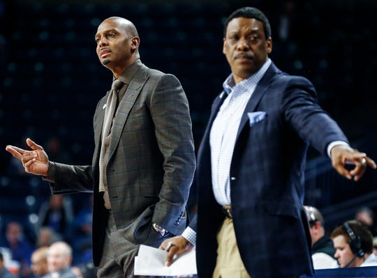 Memphis head coach Penny Hardaway (left) and assistant coach Tony Madlock (right) during action against Tulsa during action in Tulsa, Wednesday, January 30, 2019.