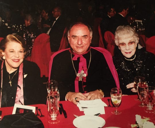 Kaye Ballard (left) joined Bishop Robert Barnes of the San Bernaradino-Riverside-area diocese with the late actress Jane Wyman at a Catholic Church fundraiser in the early 2000s.