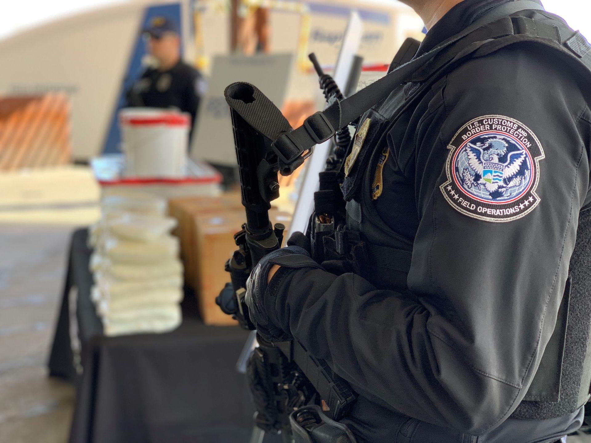 El contrabando de ambos opiáceos ha aumentado en los últimos años a través de los puertos de entrada a lo largo de la frontera entre Estados Unidos y México, según muestran las estadísticas de Aduanas y Protección Fronteriza sobre incautaciones de drogas.