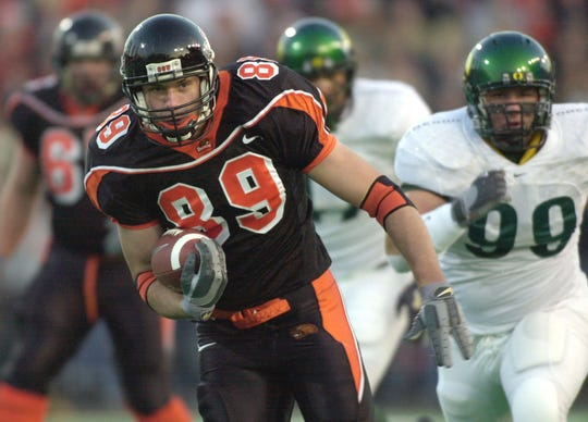 Oregon State tight end Joe Newton (left) was the Beavers' second-highest rated recruit in 2002.