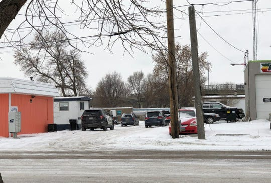 Police and the Crime Lab are at the scene of a warrant service near 10th Street and Franklin Avenue in Sioux Falls on Jan. 31, 2019.
