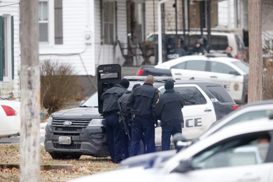 Springfield police are in a standoff at Atlantic Street and Jefferson Avenue on Thursday, Jan. 31, 2019.