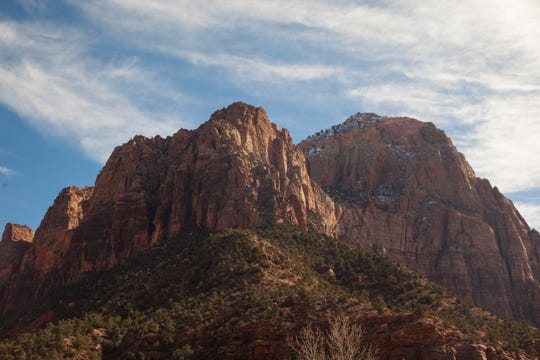 Large crowds are expected this Easter weekend at Southern Utah parks.