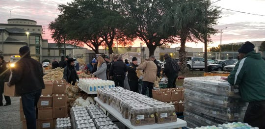 More than 30,000 pounds of food were handed out at the Leon County Sheriff's Office through Farm Share on Thursday. The food was given to food insecure households and federal works still struggling from the U.S. government shutdown.