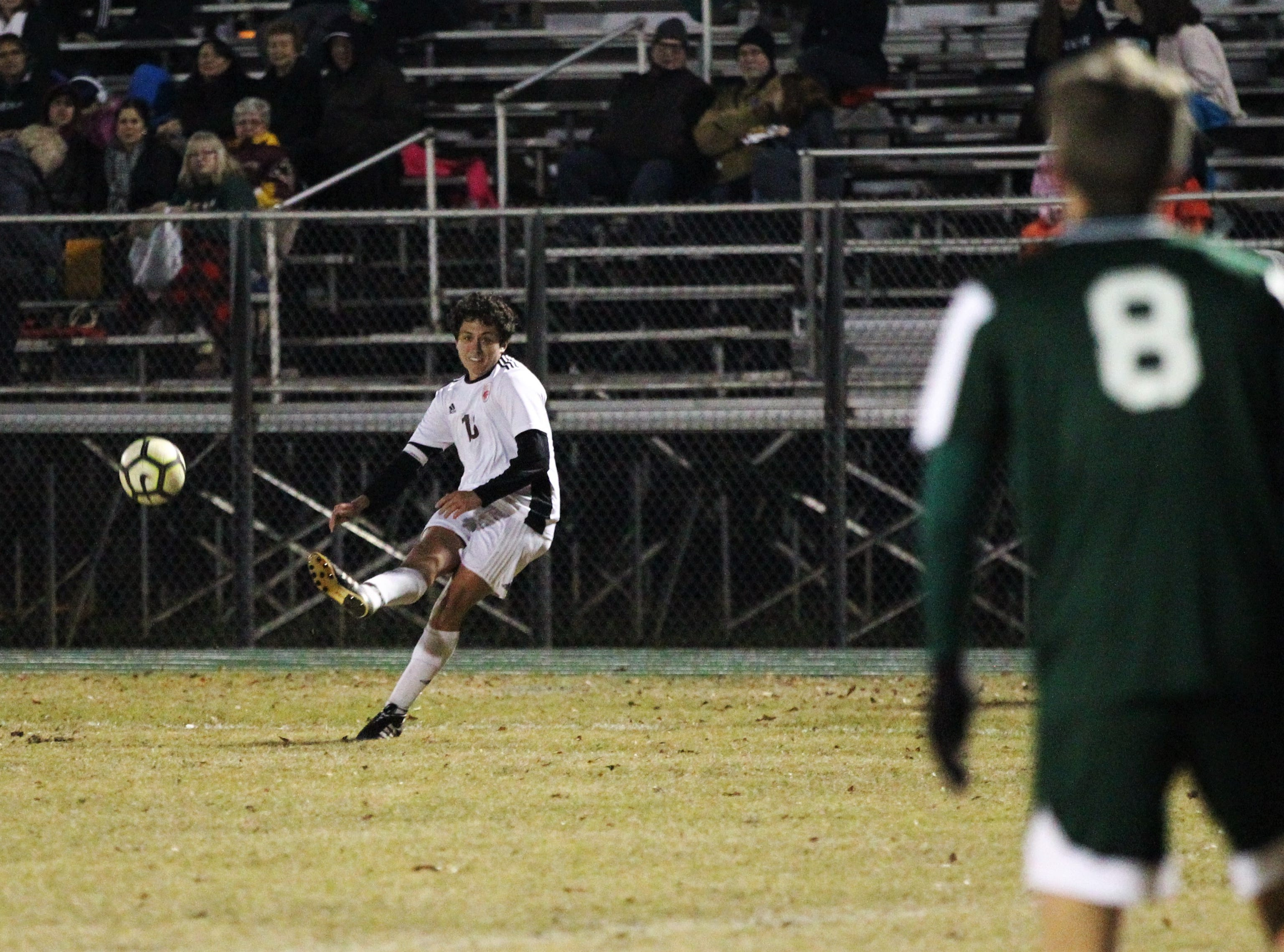 Chiles' Patrick O'Sullivan takes a free kick as Chiles' boys soccer team beat Lincoln 1-0 in a District 2-4A semifinal on Jan. 30, 2019.