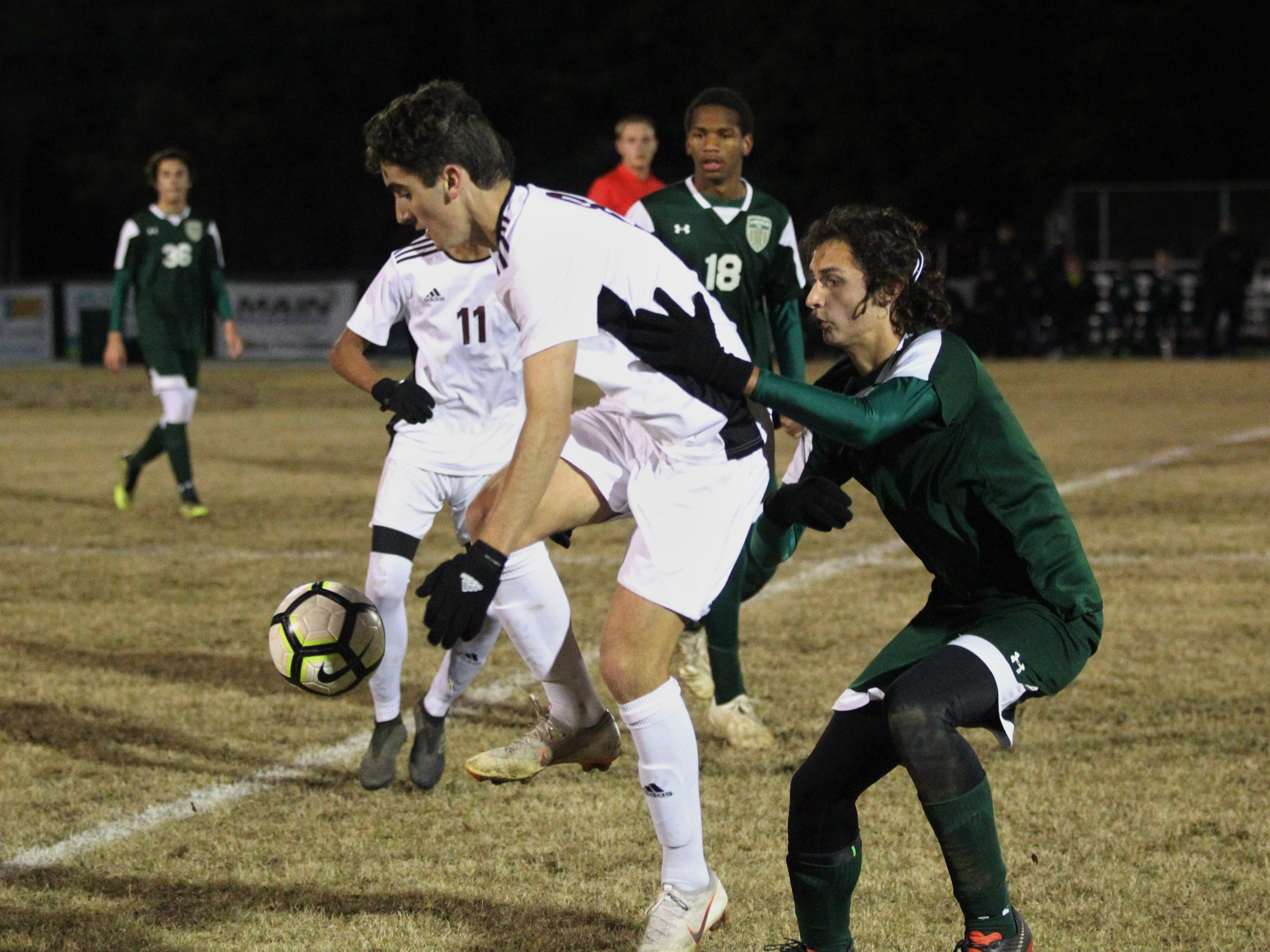 Chiles' Tag Lowery gains possession of a pass as Chiles' boys soccer team beat Lincoln 1-0 in a District 2-4A semifinal on Jan. 30, 2019.