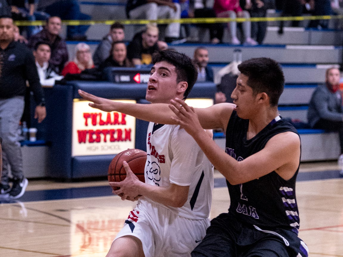 Tulare Western hosts Mission Oak in boys basketball on Wednesday, January 30, 2019.