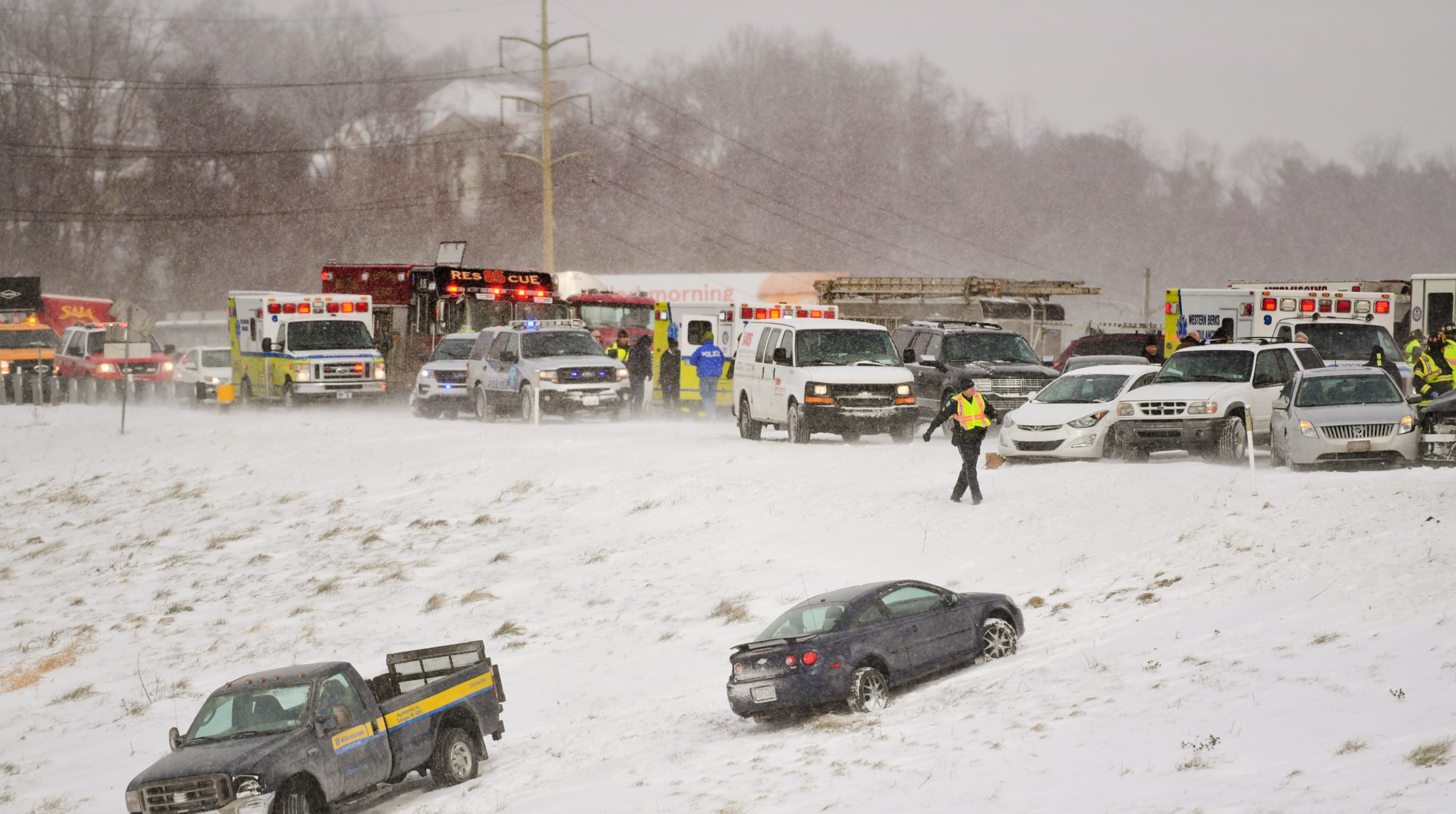 Snow squall: What is the cold weather phenomenon causing car crashes?