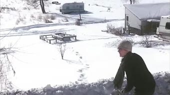 An arctic blast in Wisconsin causes boiling water to instantly freeze into snow cloud.