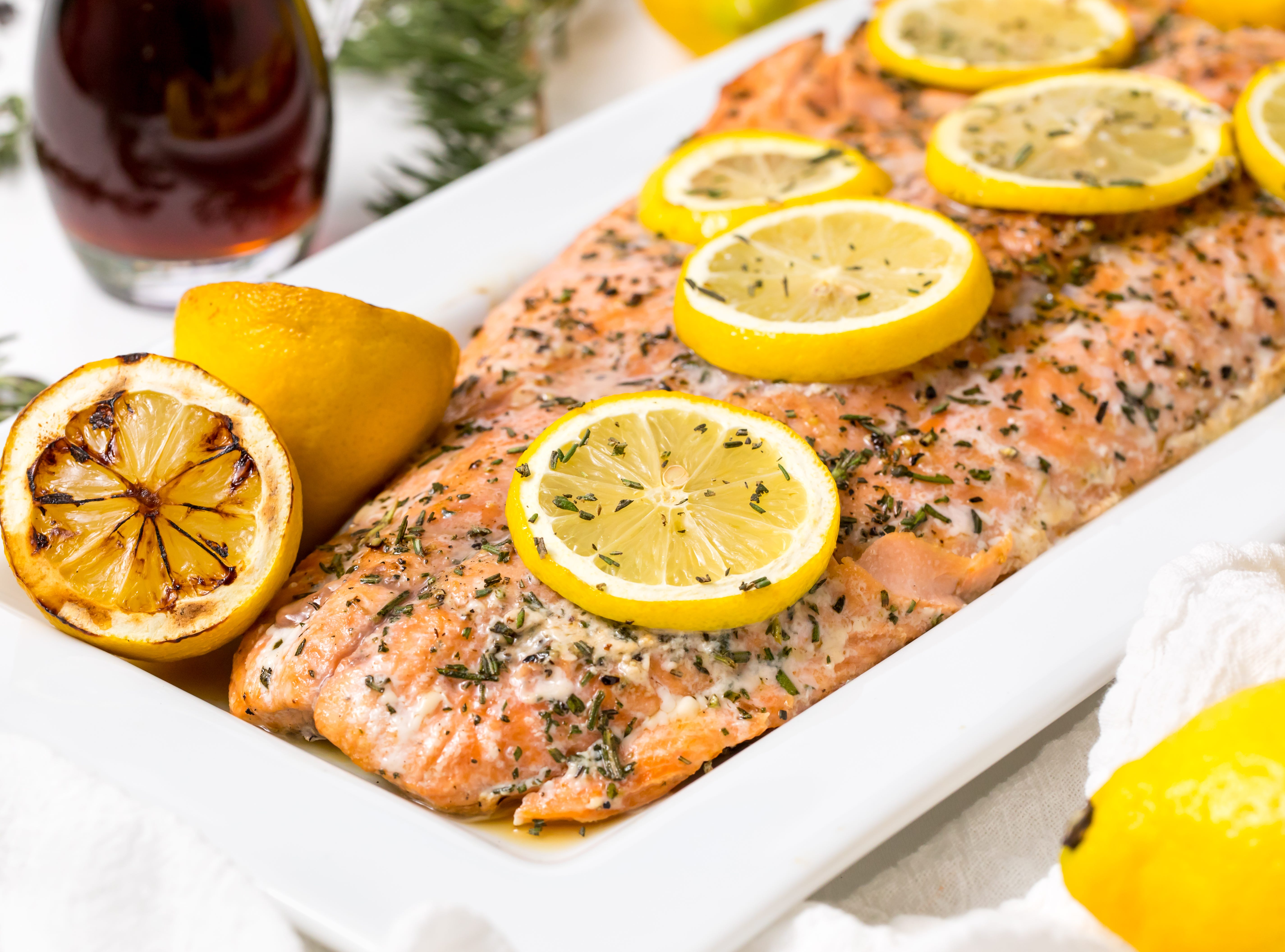 Grilled salmon with maple syrup and rosemary