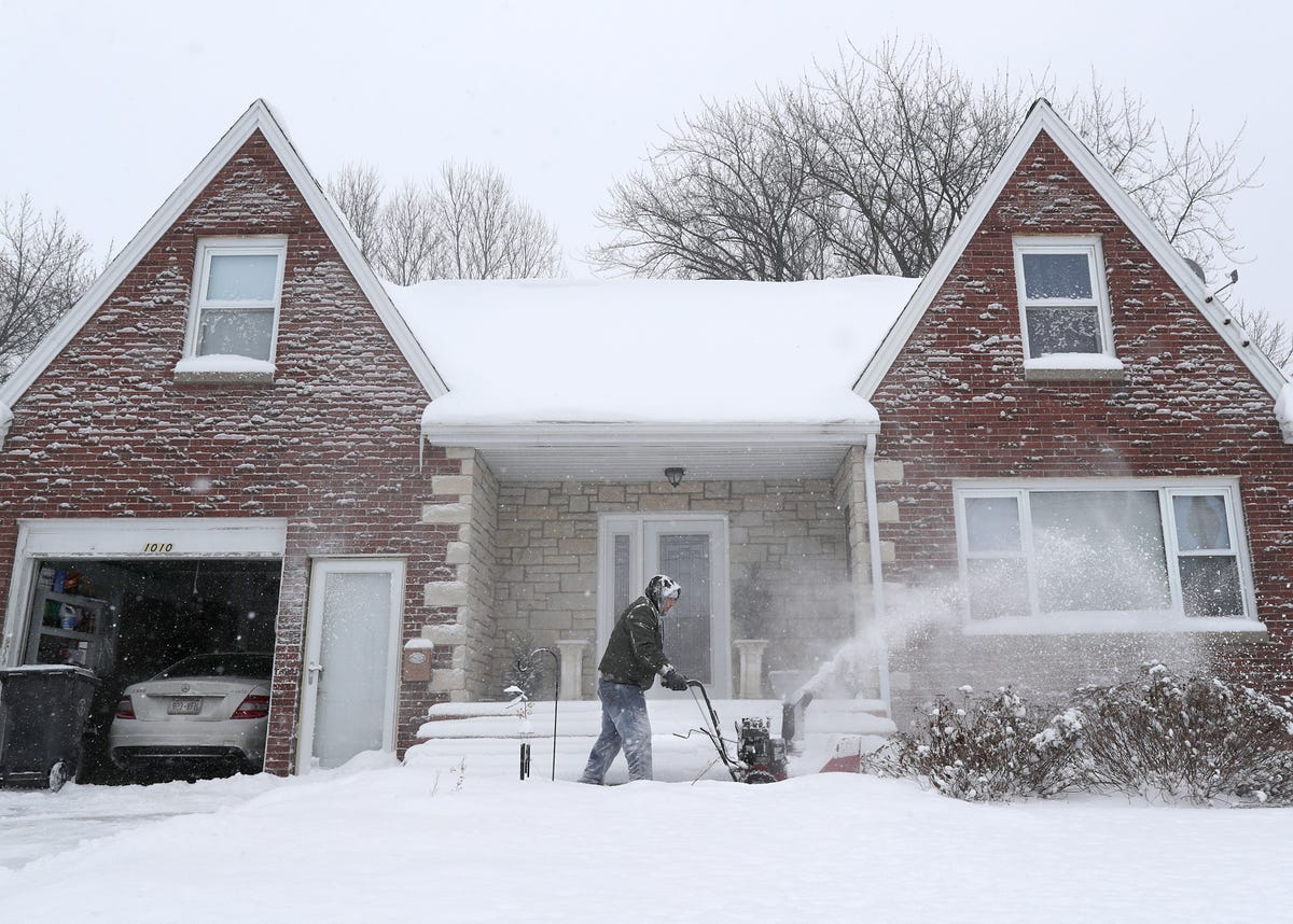 Polar vortex effect: Frozen pipes, how to thaw and prevent