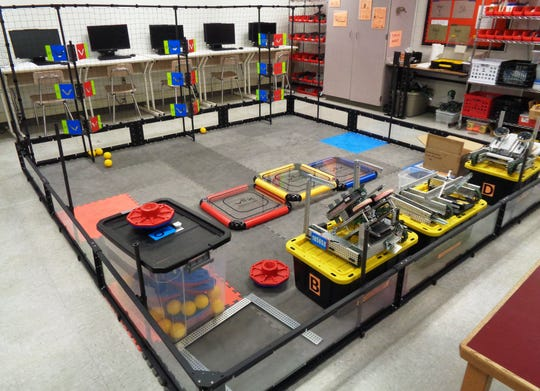 Two Loveland robotics teams qualified for the VRC - VEX Robotics Competition Ohio High School State Championship  for 2018-19 season.