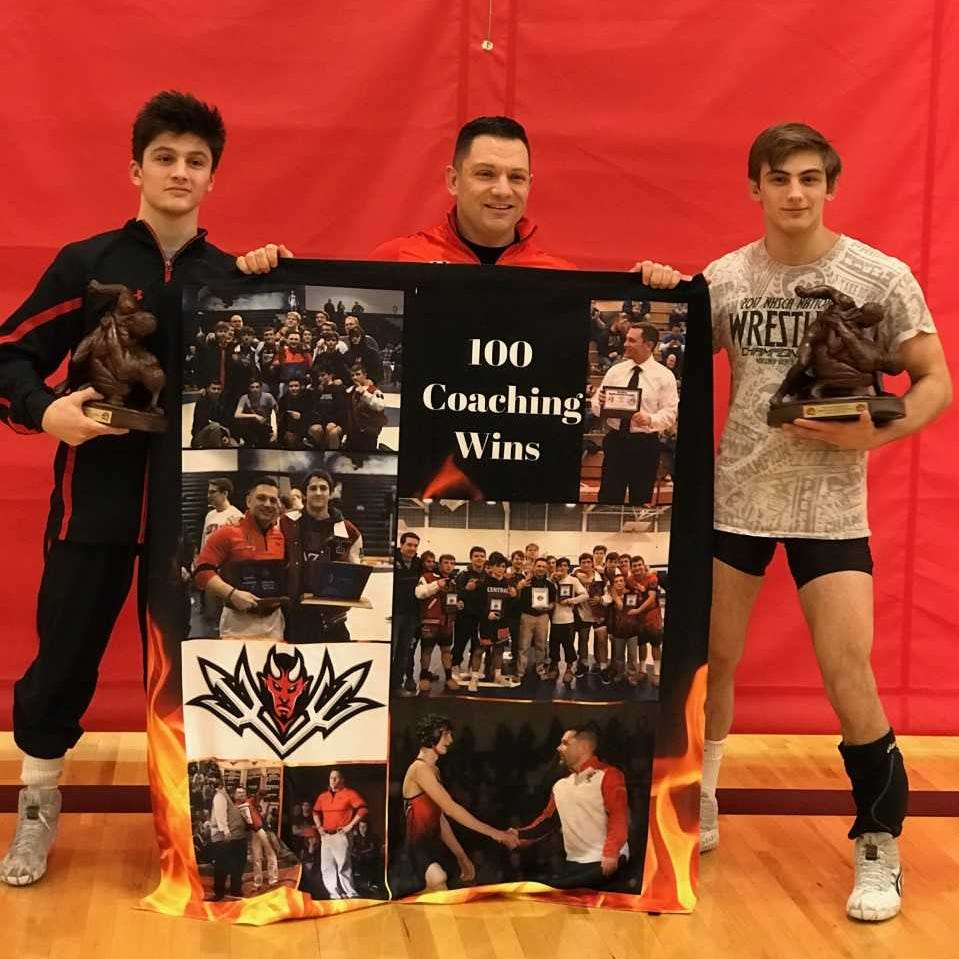 NJ wrestling: Piscataway's Pleasant twins, Greene get big wins in Region 5