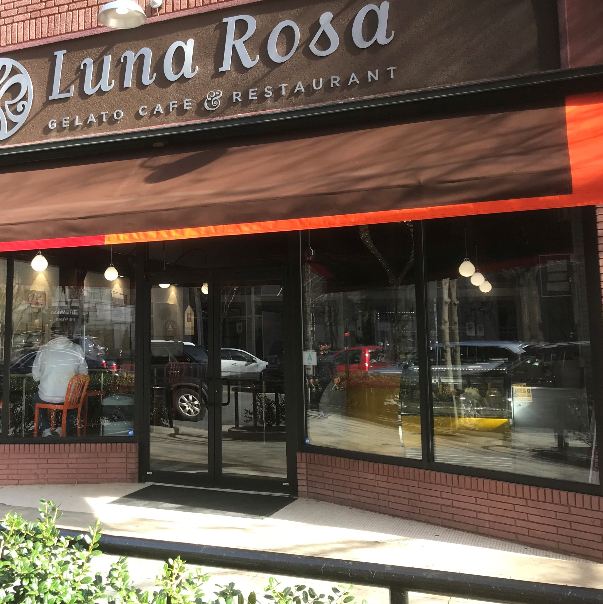 Luna Rosa opens Main Street location; River Street Sweets opens next week