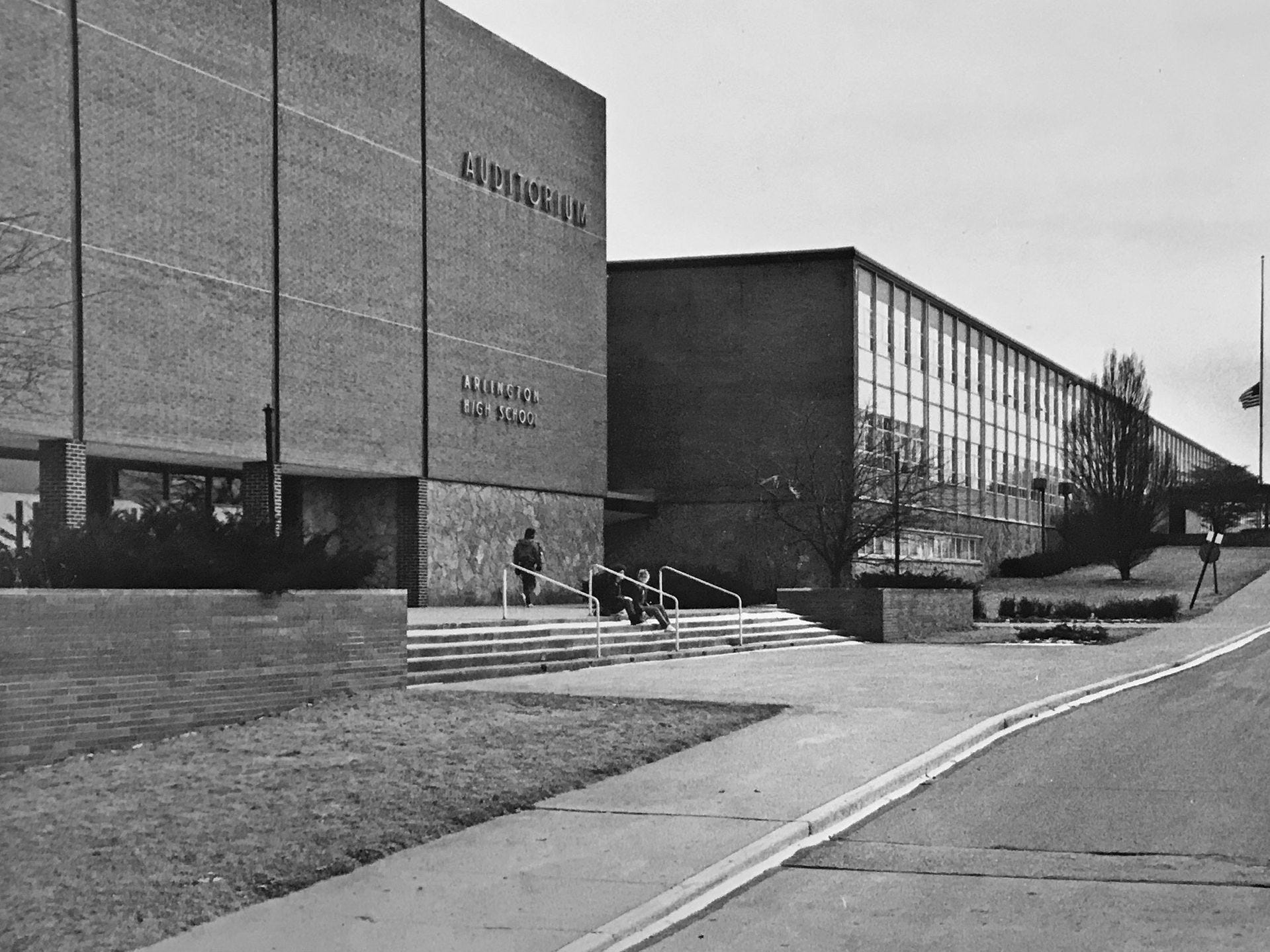 Exterior of Arlington High School in 1986.
