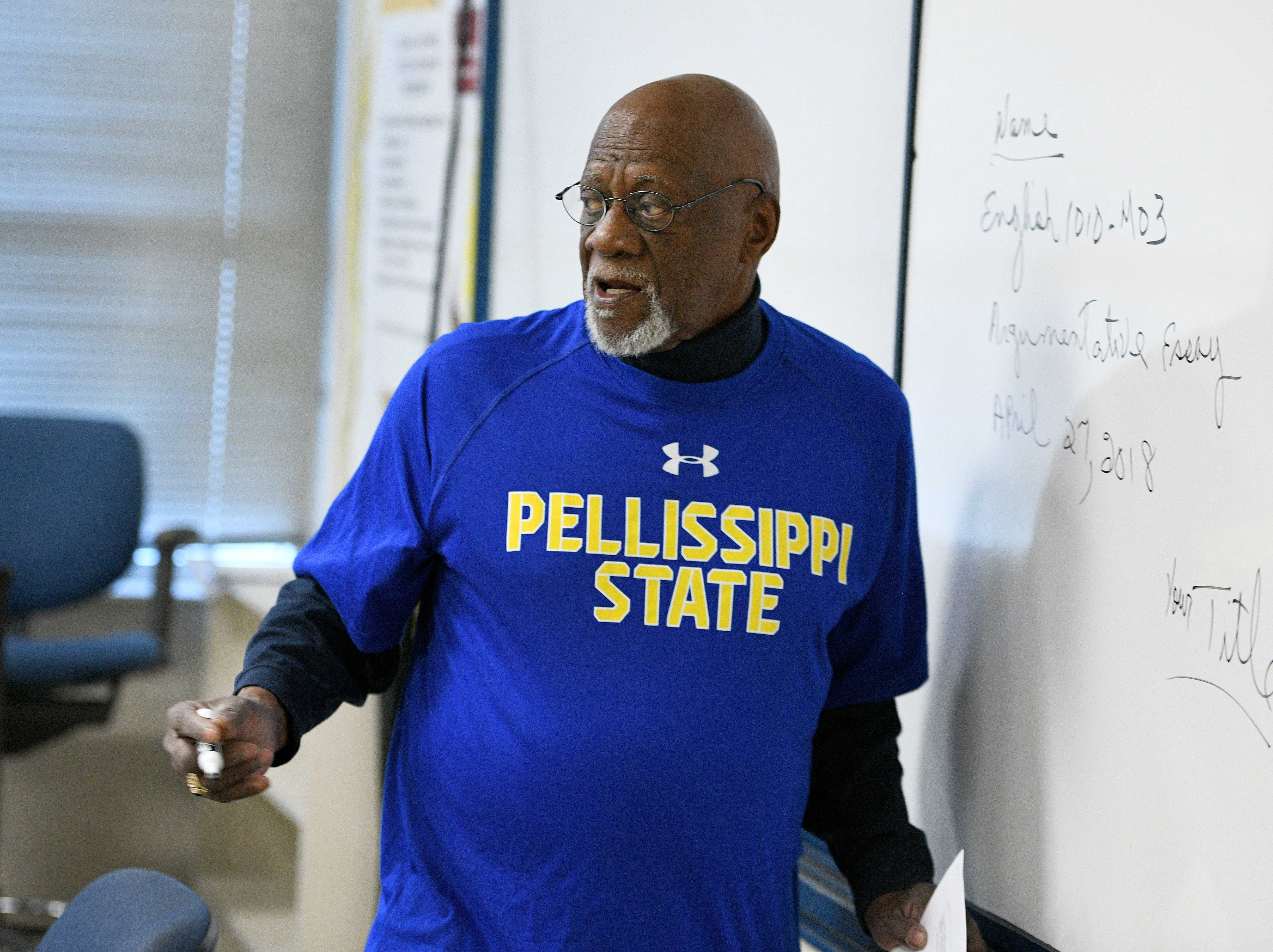 Professor Robert Boyd teaching one of his last classes  Wednesday, April 25, 2018 before retiring from Pellissippi State Community College.