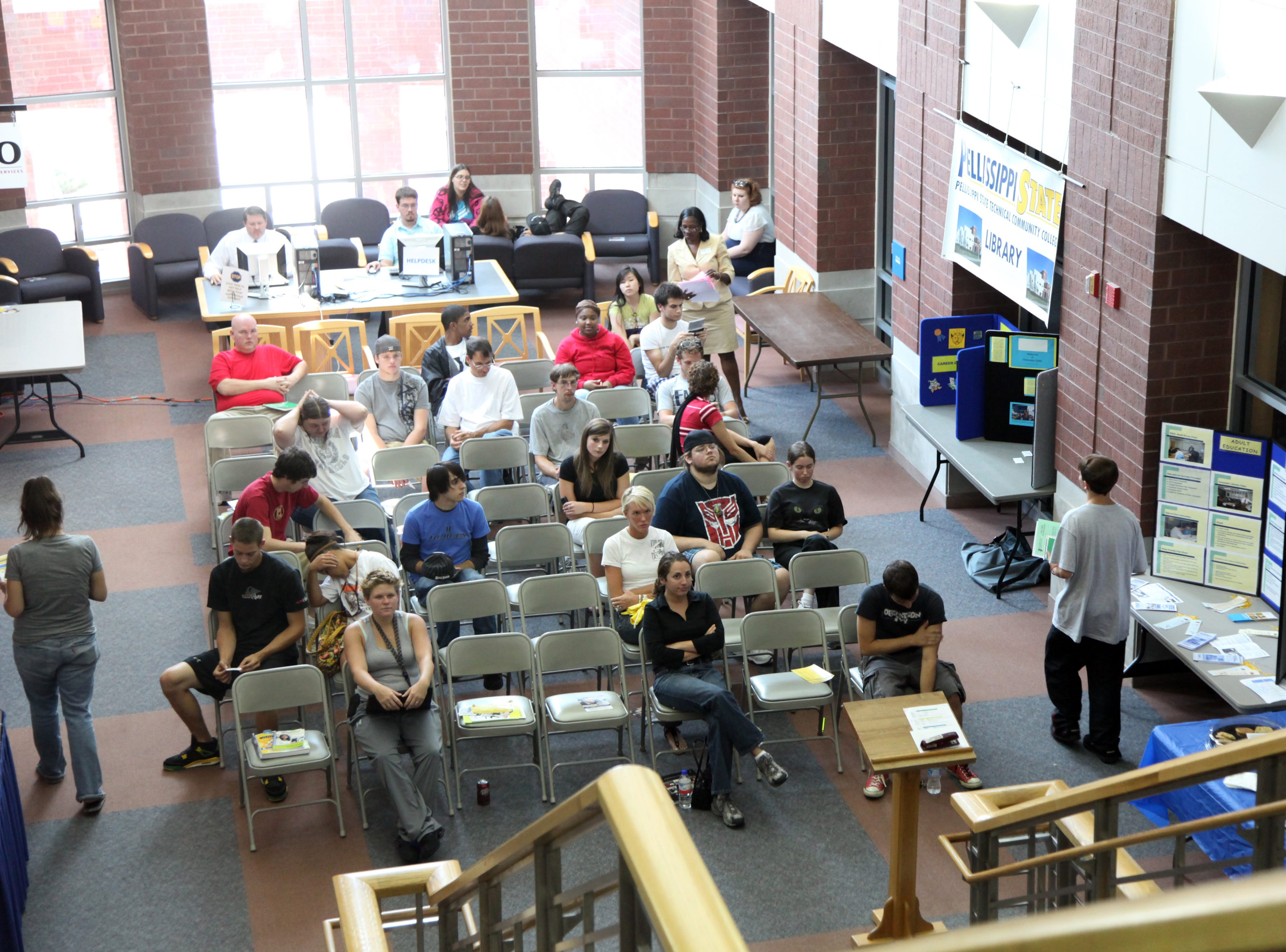 New students wait to enroll in classes inside Pellissippi State Community College's Educational Resource Center Monday, August 24, 2009.  Enrollment is up 25 percent this year.