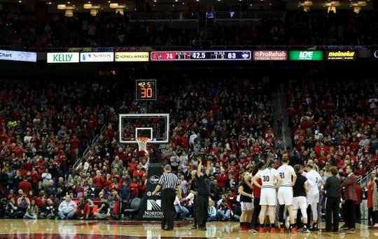 Over 17,000 fans attended the Louisville vs UConn game. Jan. 31, 2019
