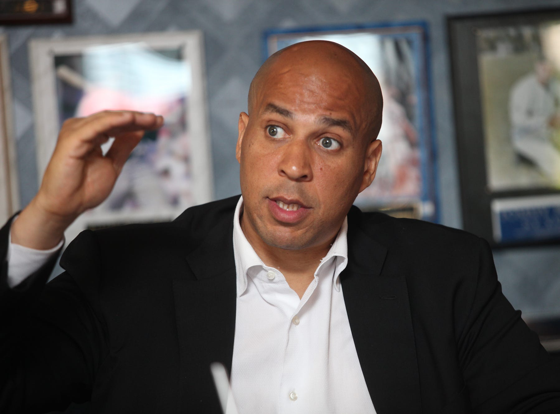 Cory Booker, the Newark mayor and Democratic nominee for U.S. Senate lead a discussion on issues including; economy, health care, first-responders and veterans, at the Arena Diner in Hackensack.  Wednesday, September, 4, 2013. STAFF PHOTO BY; KEVIN R. WEXLER 116013 BERGEN; HACKENSACK 9/4/2013 Cory Booker, the Newark mayor and Democratic nominee for U.S. Senate, leads a round-table discussion on budgetary and economic priorities. Wednesday, September, 4, 2013.