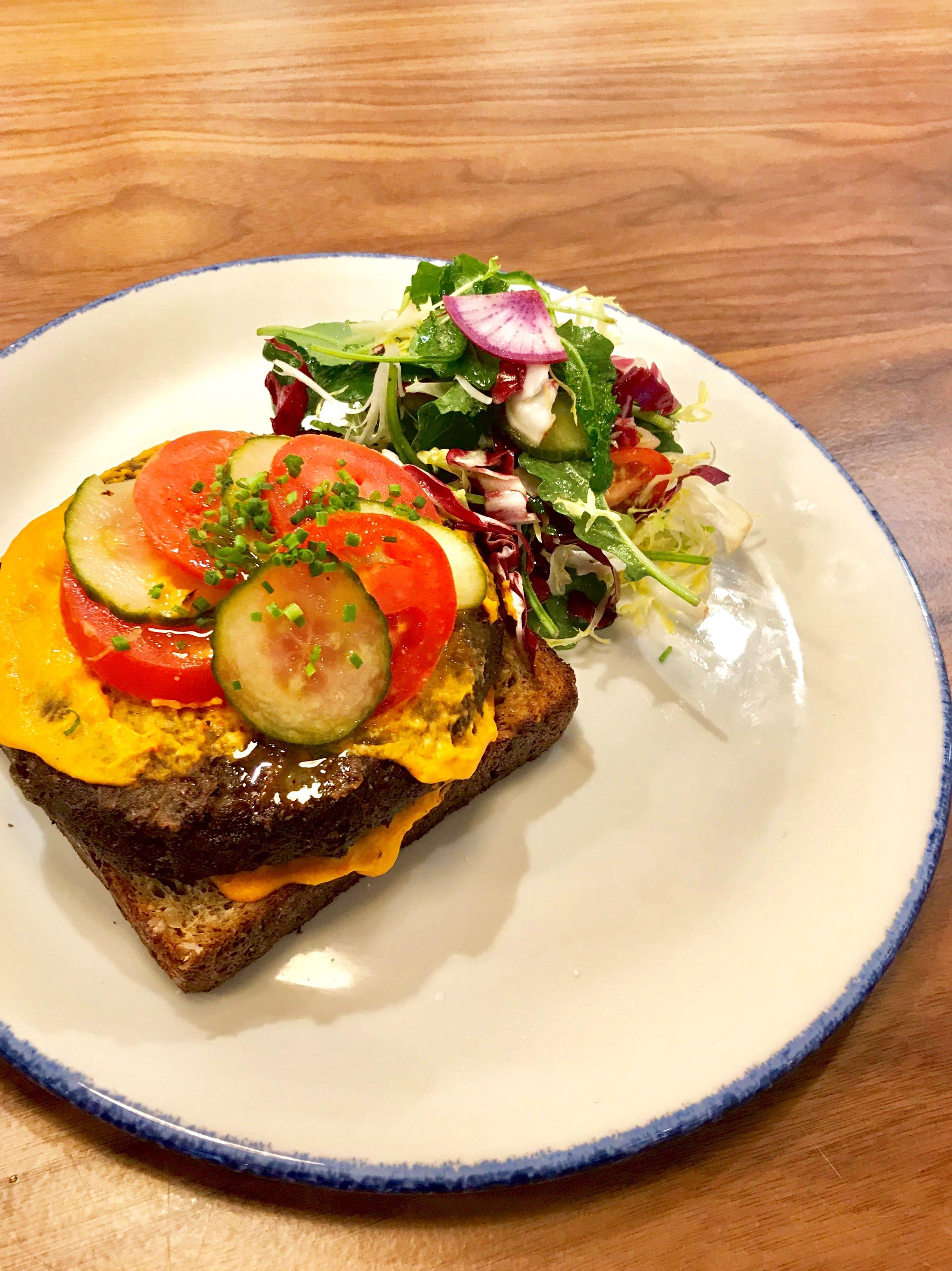 Celebrity Beauty: Saddle River Cafe to provide dinner beginning Feb. 5