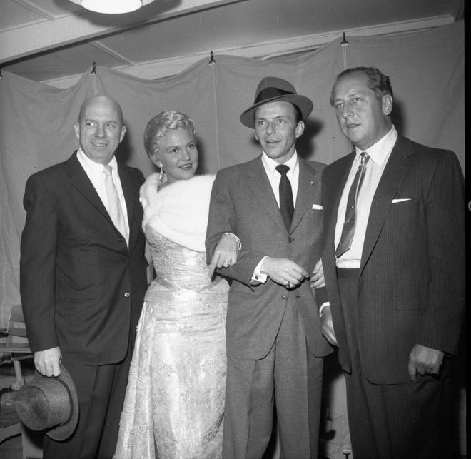 Frank Sinatra, singer Peggy Lee, Jimmy Van Heusen and developer Ray Ryan in 1958.