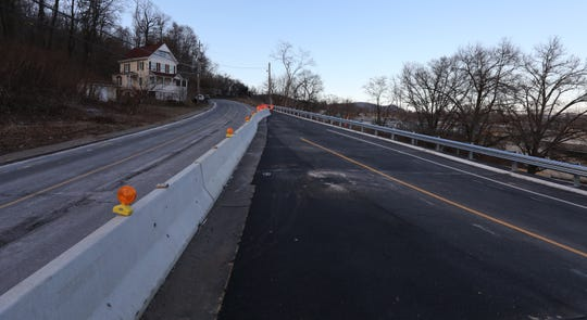 The new Exit 10 lane, right, from westbound 287 off the Mario Cuomo Bridge Feb. 1, 2019. The new road will lead traffic onto northbound Rt 9W in South Nyack when it is opened.