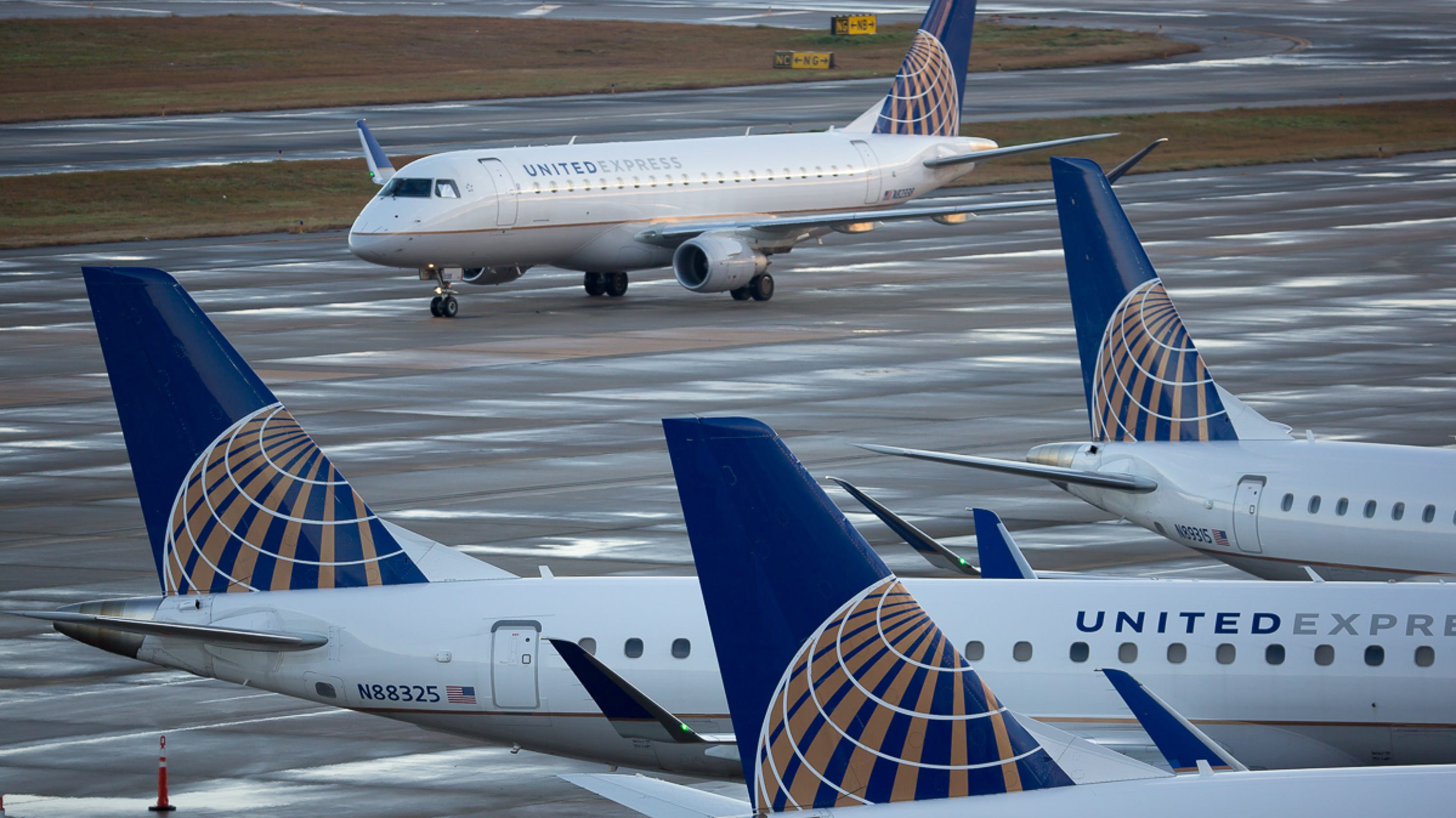 United Airlines fires 35 employees for abusing, selling
