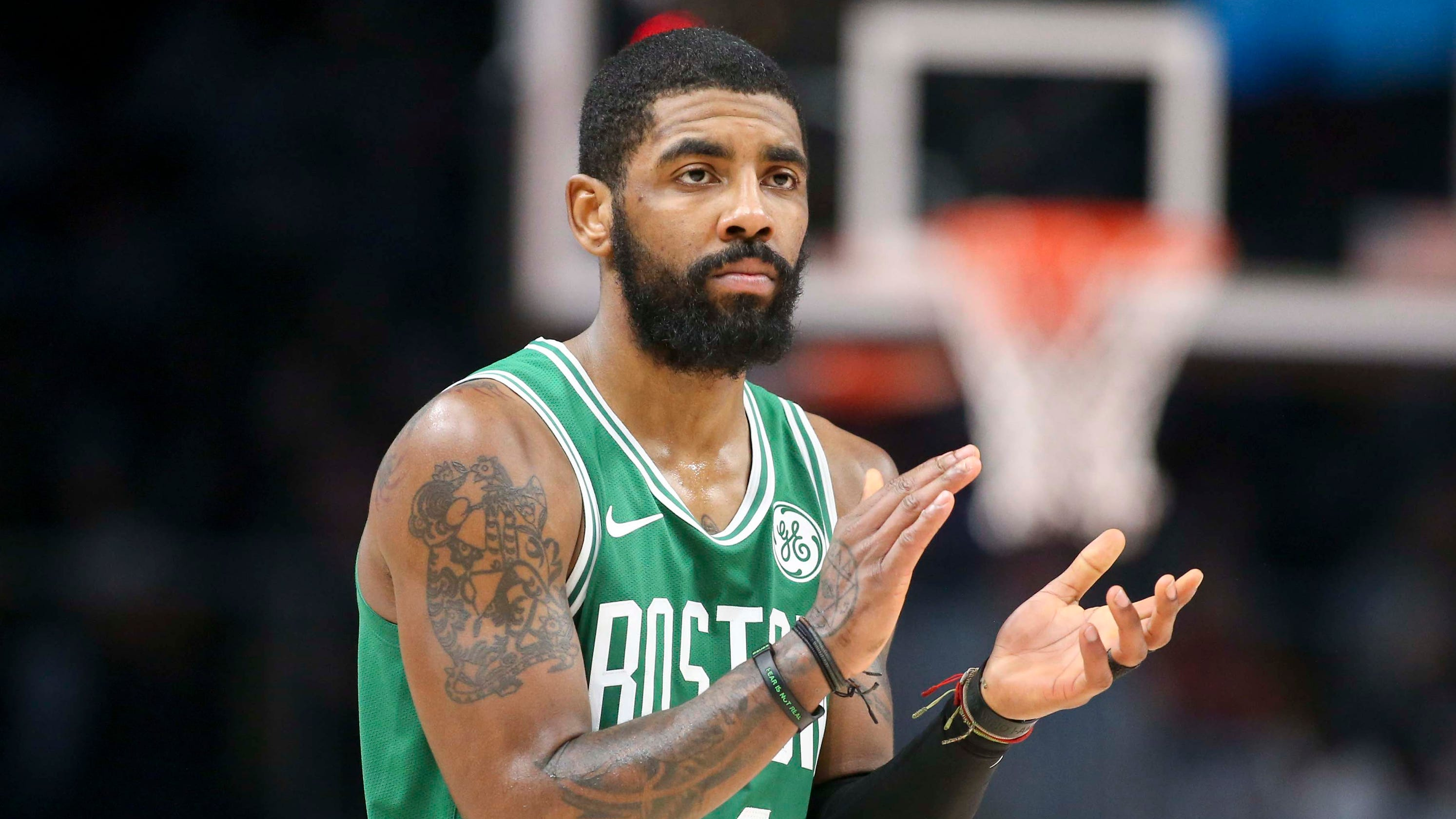 super popular aa17c 39b7f Kyrie Irving 'respects' New York Knicks, leaves free agency ...
