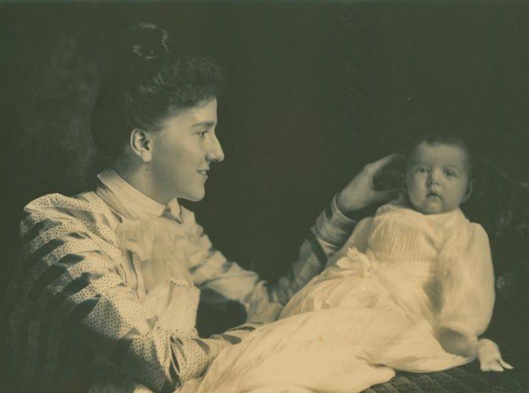 Edith Vanderbilt and infant daughter, Cornelia, circa 1900.